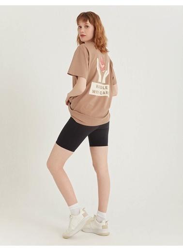 BGN Kum Rengi - Baskılı Pamuklu T-Shirt Kahve